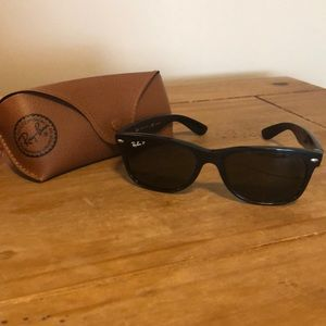 Ray Ban Polarized Wayfarer Sunglasses and Case